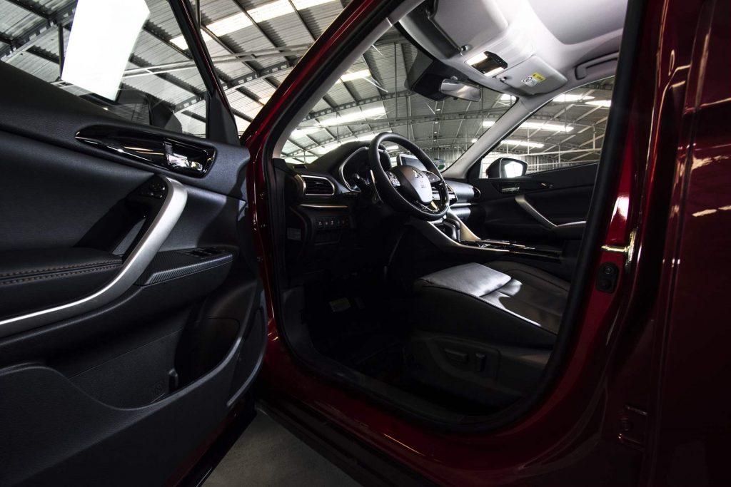 Interior Mitsubishi Eclipse Cross 2019
