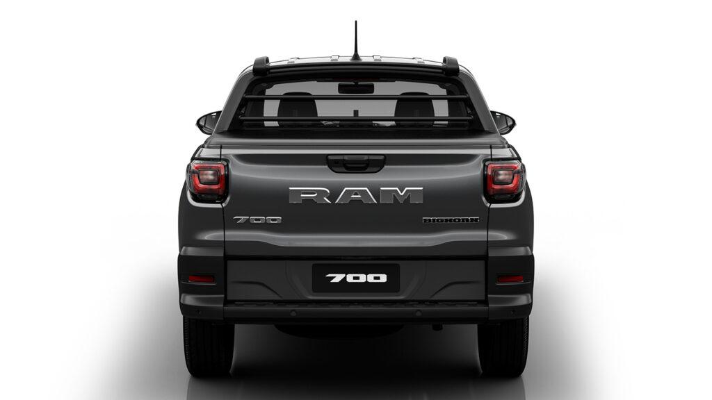 RAM 700 2021